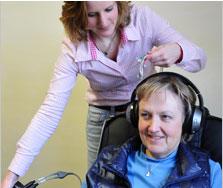 Ergotherapie Psychiatrie, Frau S. arbeitet mit dem Medium Neurofeedback